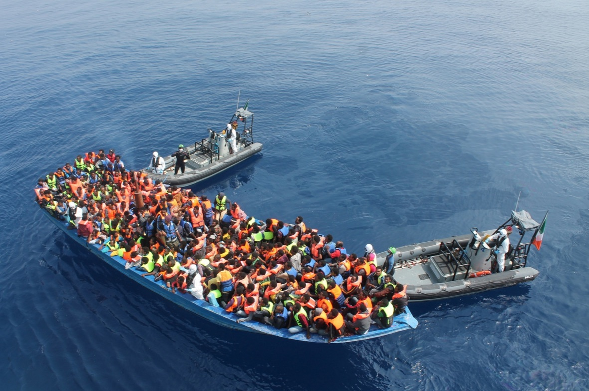immigrants-in-med-rescued-by-irish-ship-ap-june-9-2015